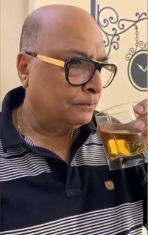 500 की शराब के नुकसान का ज्ञान देने वाले अंकल जी का वीडियो वायरल, गणित देख चकरा जाएगा दिमाग