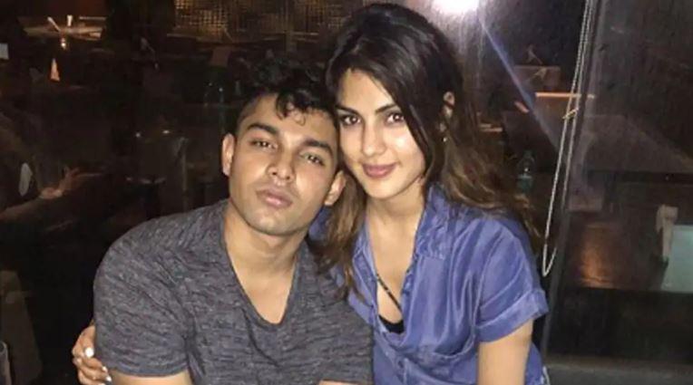 रिया चक्रवर्ती को कोर्ट ने दिया सुशांत केस में बड़ा झटका