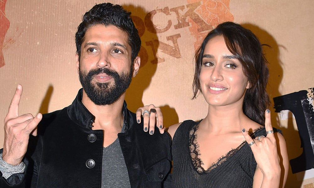 Shraddha Kapoor and Farhan Akhtar close to each other