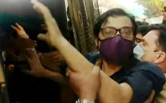 'ऑपरेशन अर्नब' : अर्नब गोस्वामी को गिरफ़्तारी पक्की करने के लिए महाराष्ट्र सरकार ने किया था 40 सदस्यीय टीम का गठन