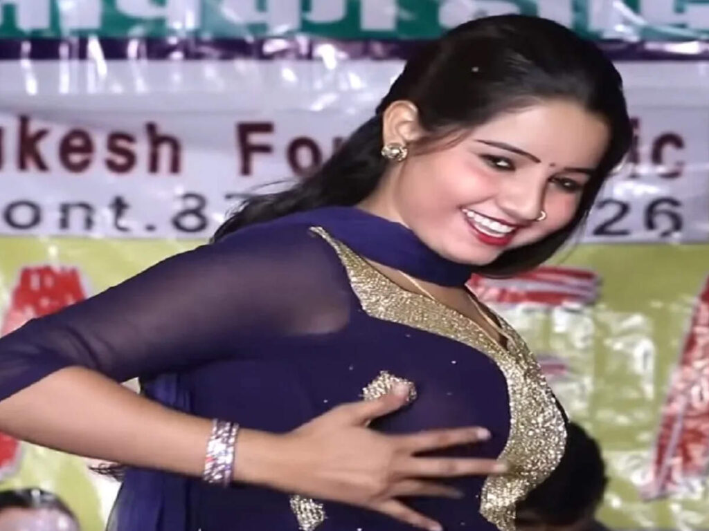 'हटा सावन की घटा' पर पर सुनीता बेबी ने किया जबरदस्त डांस, लोगों ने कहा सपना चौधरी भी फेल