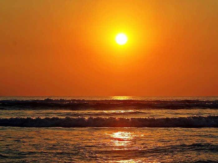 छठ पूजा: आज इस समय करें सूर्यदेव की पुजा, जानिए आपके शहर में सूर्योदय और सूर्यास्त का समय
